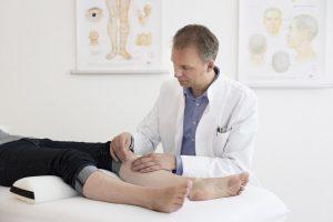 Dr. Wolfram Schwarz: AkuTpunktur